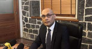 Kailesh Jagutpal annonce l'arrivée de 24,000 doses d'AstraZeneca…