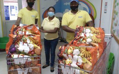 Courts Mammouth offre 200 foodpacks à des ONG pour la fête des Mères