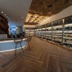 Tout en élégance et en luminosité, le nouveau 20/vin de Mahogany Shopping Promenade dévoile tout…